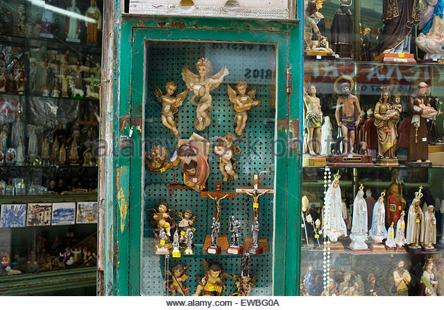 lisbon-portugal-shop-selling-religious-artefacts-and-iconography-ewbg0a